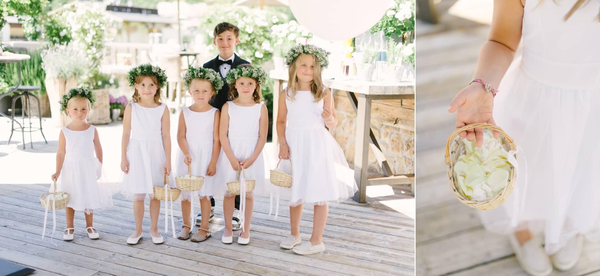 Hochzeiten mit Kindern feiern. Blumenmädchen